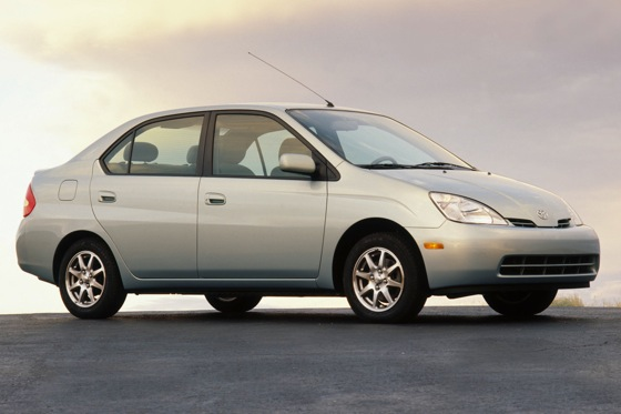 2001-2003 Toyota Prius - Used Car Review featured image large thumb5