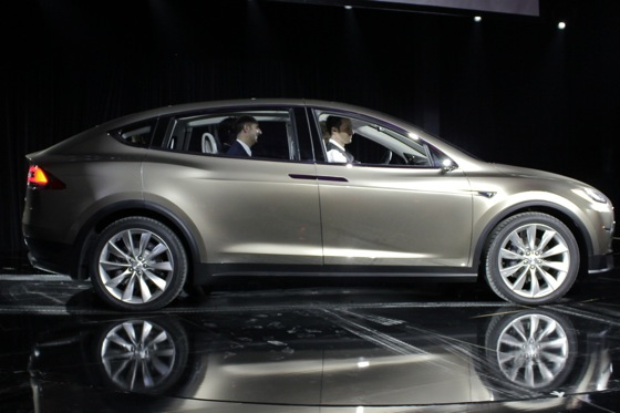 2013 Tesla Model X Unveiled featured image large thumb4