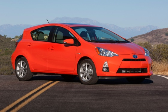 Top 6 Attractive & Affordable 40-MPG Cars featured image large thumb3