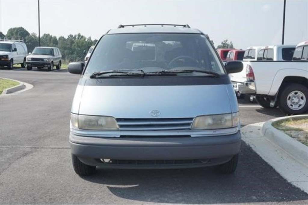 1991 Toyota Previa With 401,000 Miles