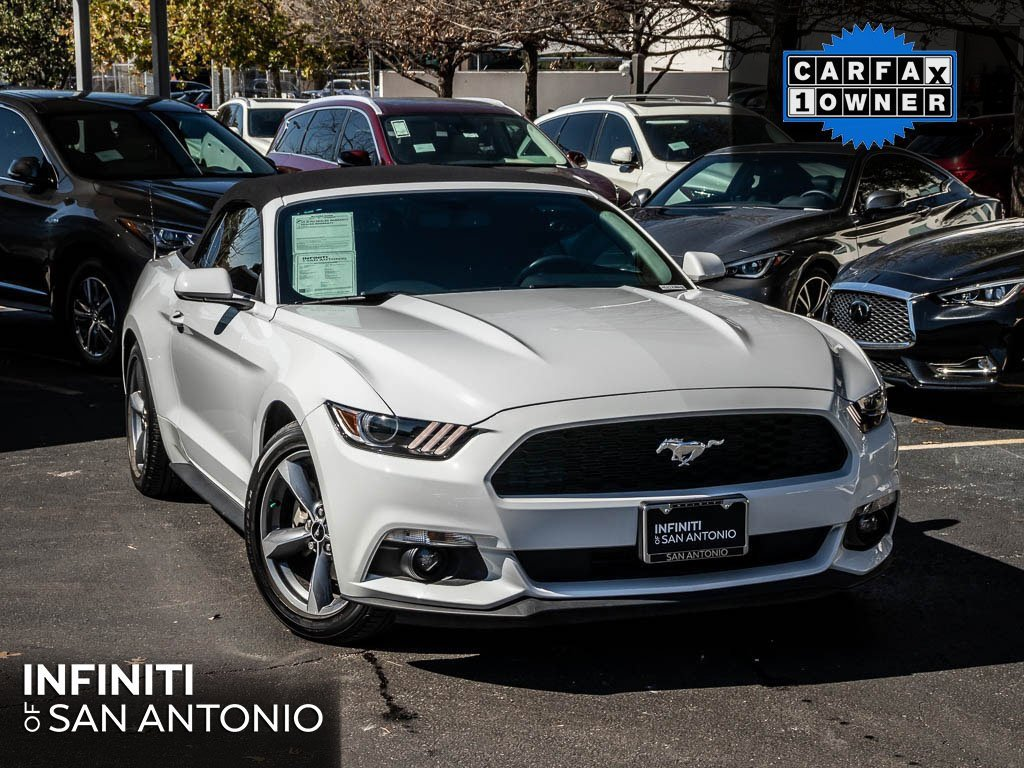 2017 Ford Mustang Convertible image