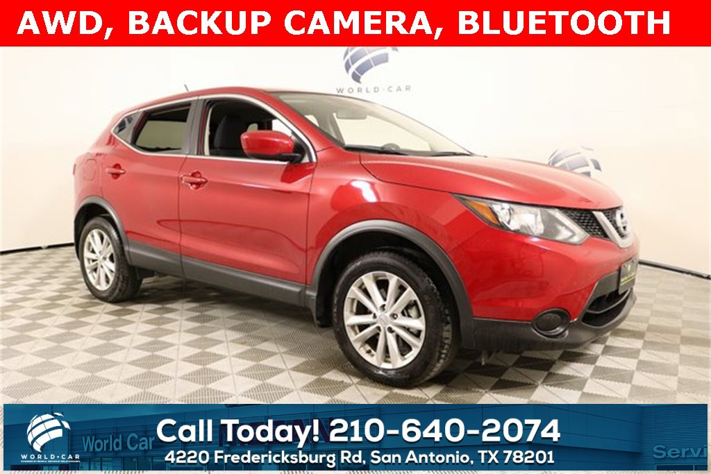 2017 Nissan Rogue Sport AWD w/ S Appearance Package image