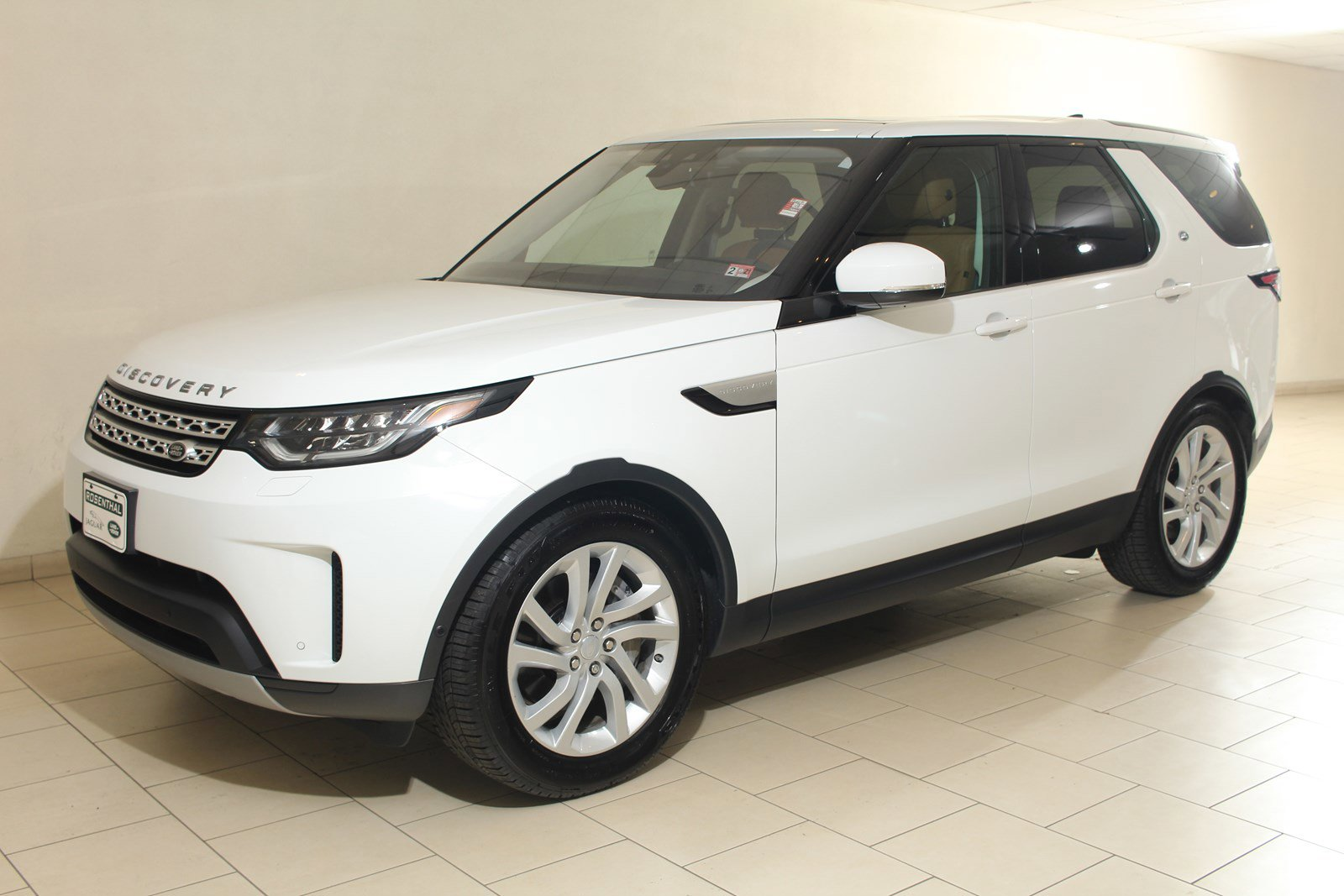 2019 Land Rover Discovery HSE image