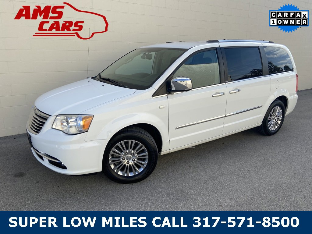 2014 Chrysler Town & Country Touring-L image