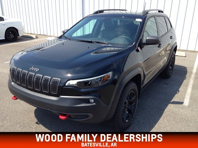 2019 Jeep Cherokee 4WD Trailhawk image