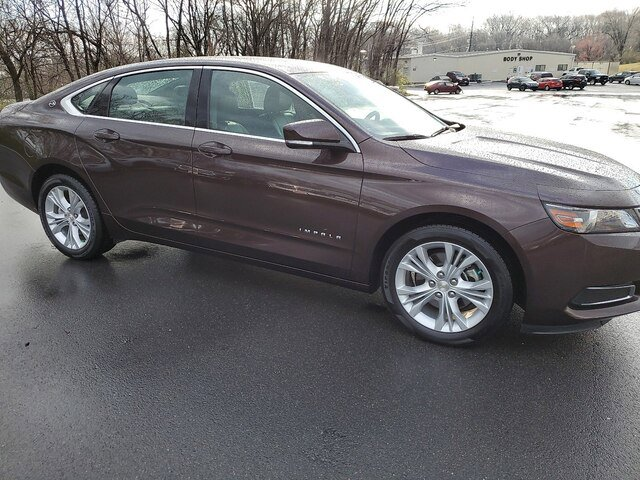 2015 Chevrolet Impala LT w/ Convenience Package image