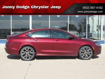 2016 Chrysler 200 S image