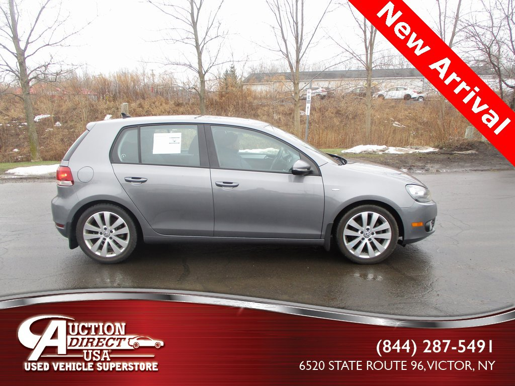 2013 Volkswagen Golf TDI 4-Door image