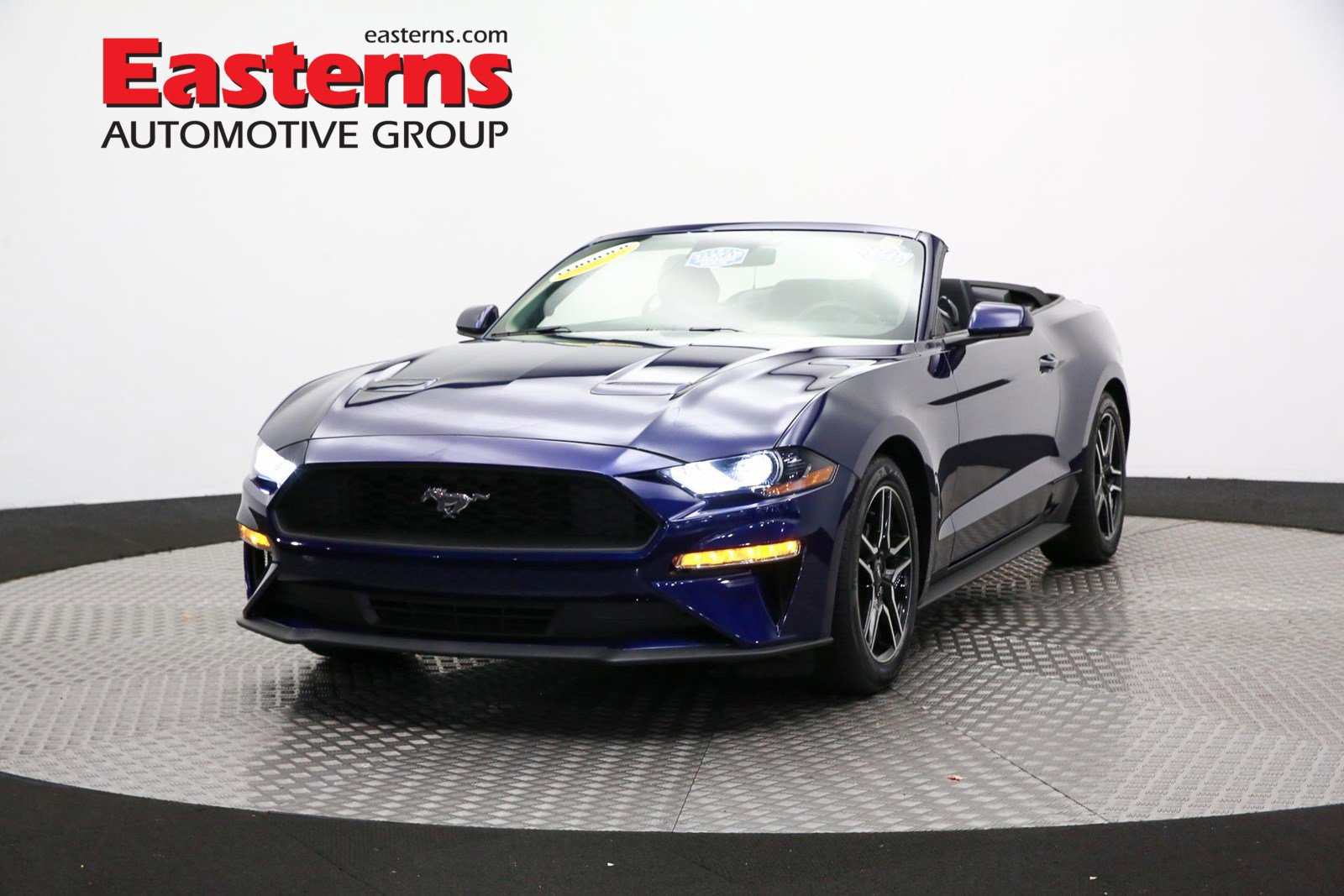 2019 Ford Mustang Convertible image