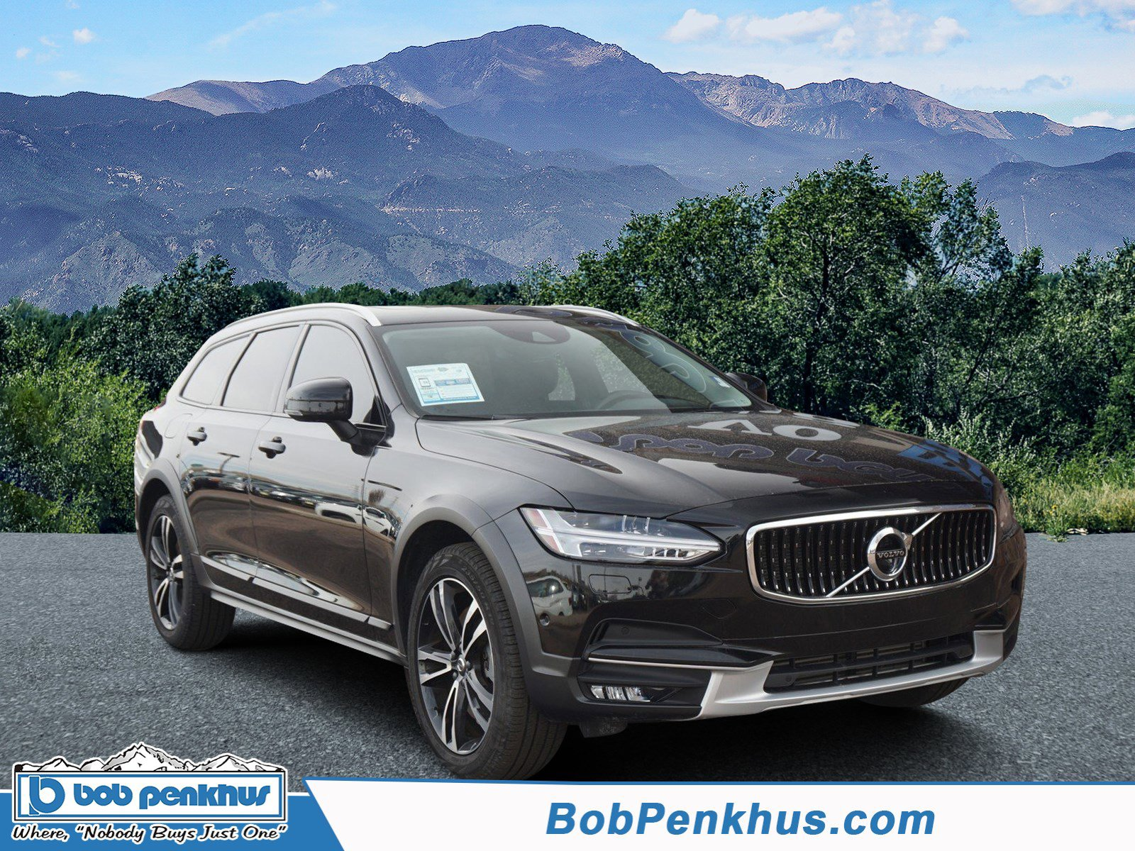 2018 Volvo V90 T5 Cross Country Momentum AWD image