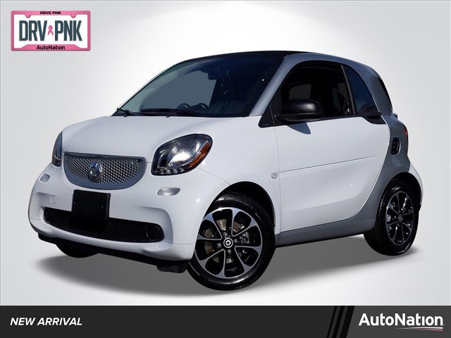 2017 smart fortwo pure Coupe image