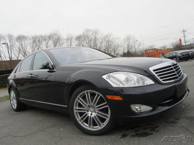 2009 Mercedes-Benz S 550 w/ Premium Package image
