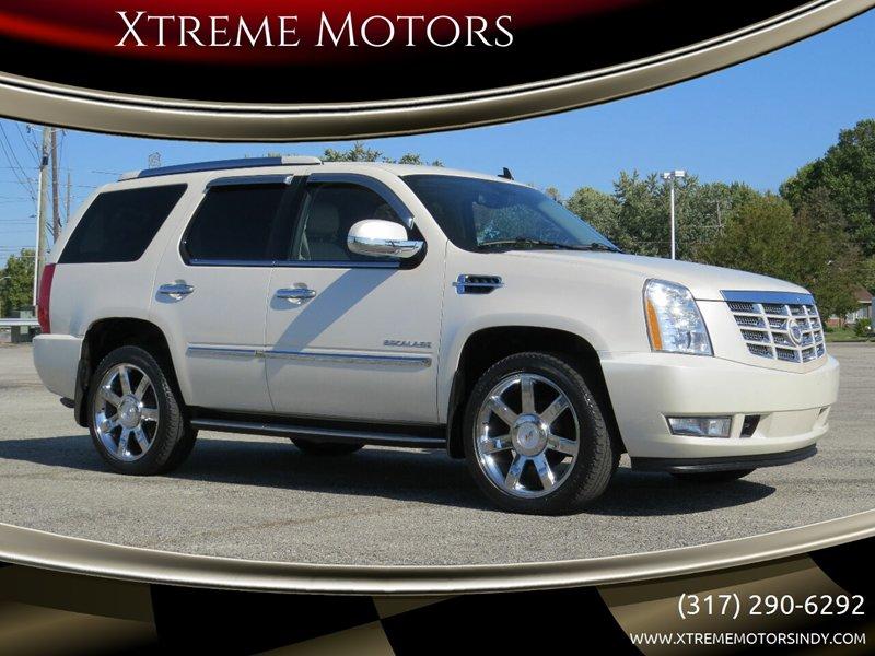 2011 Cadillac Escalade AWD Luxury image