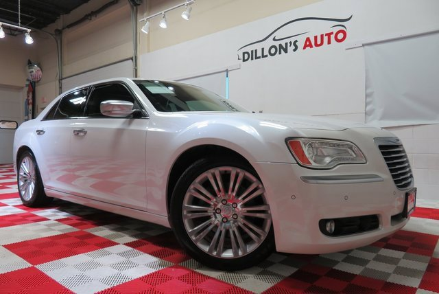 2012 Chrysler 300 C Luxury Series image