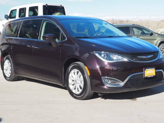 2019 Chrysler Pacifica Touring Plus image