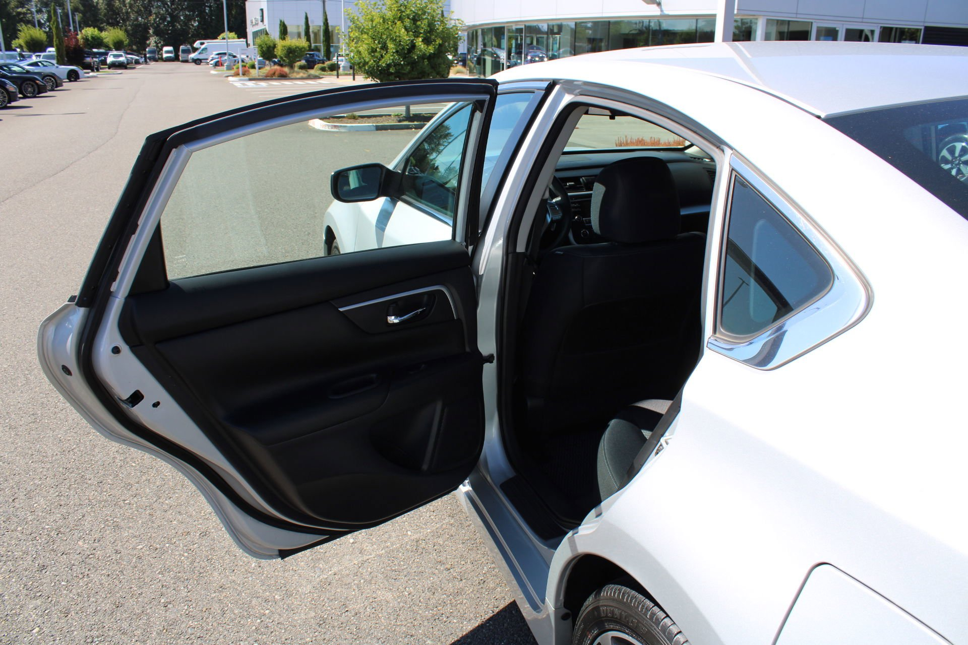 mnoypvqss0xeum https www autotrader com car dealers fife wa 98424 44320186 larson porsche audi