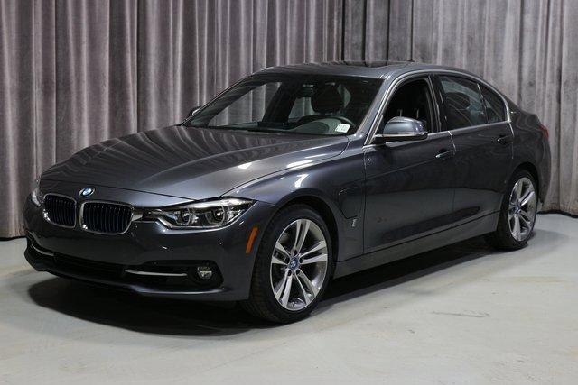 2018 BMW 330e  image