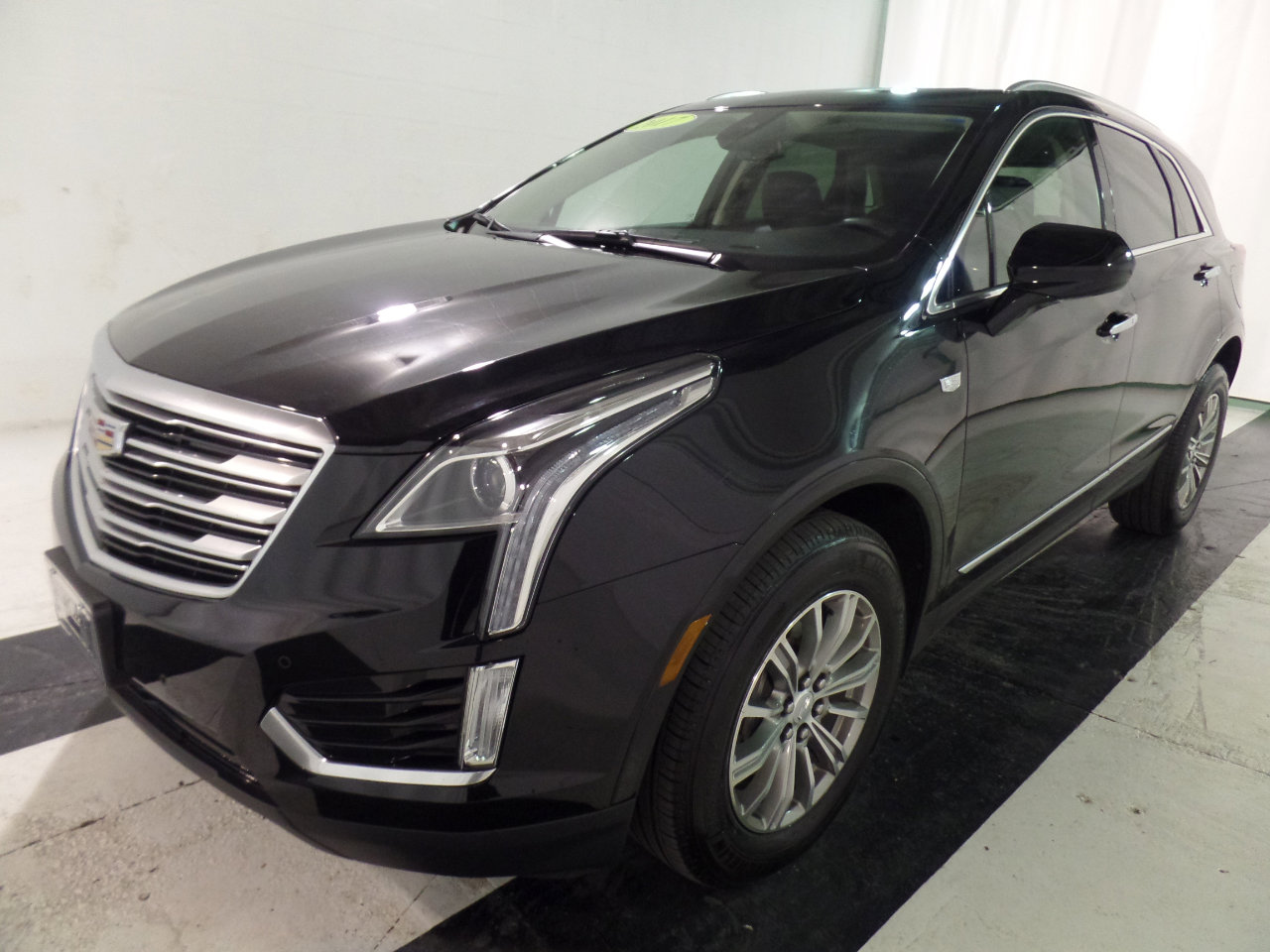 2017 Cadillac XT5 FWD Luxury image