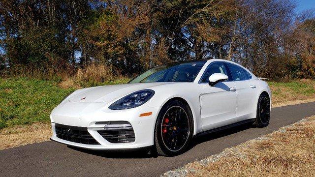 2017 Porsche Panamera Turbo image