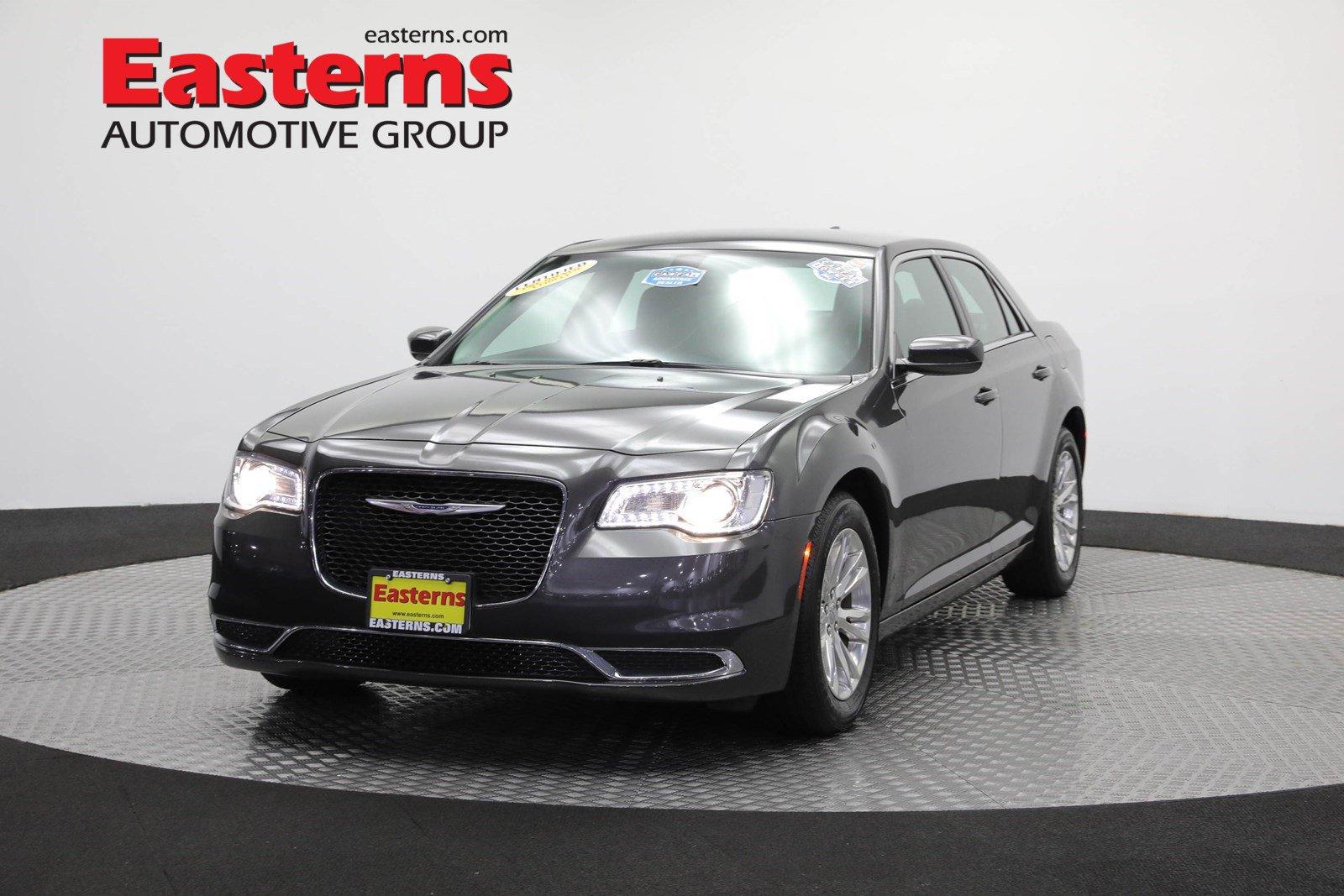 2016 Chrysler 300 Limited image