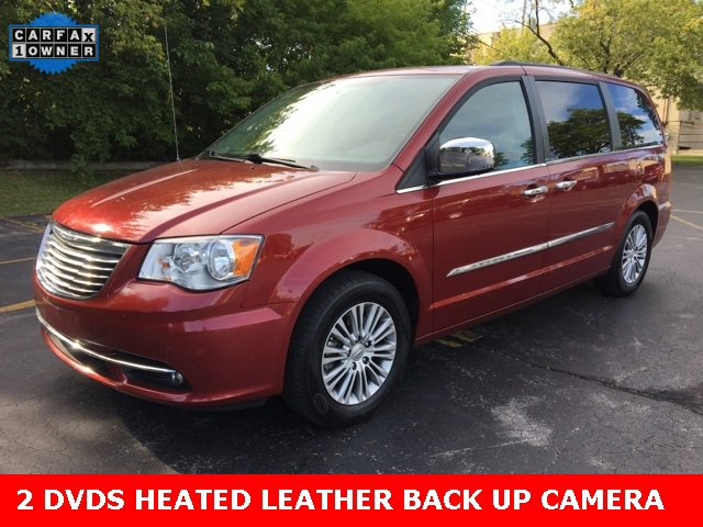2013 Chrysler Town & Country Touring-L image