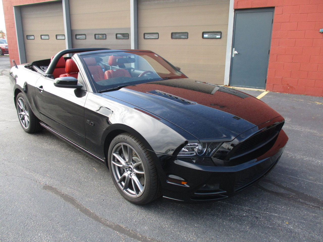 2013 Ford Mustang GT Convertible image