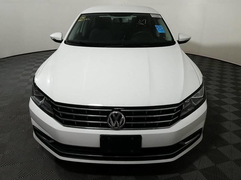 2016 Volkswagen Passat 1.8T image