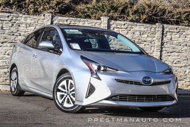 2016 Toyota Prius Four image