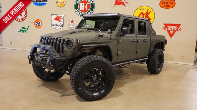 Blacked Out Lifted Jeep Gladiator Rubicon Lifted