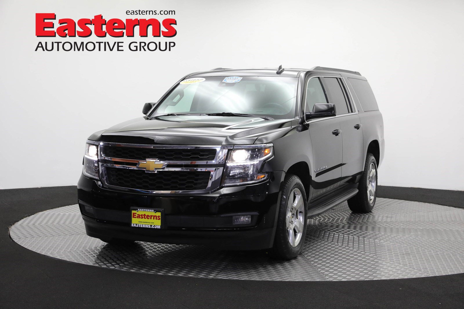 2016 Chevrolet Suburban 4WD LT w/ Luxury Package image
