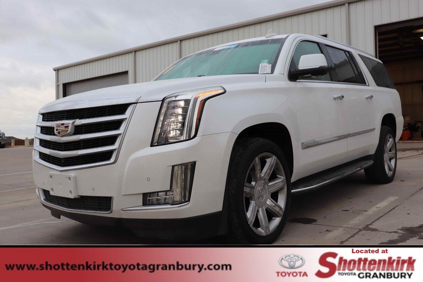 2016 Cadillac Escalade ESV 2WD Luxury image