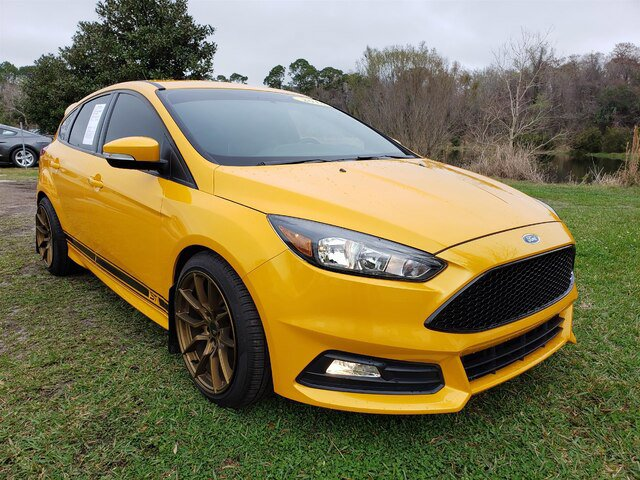 2016 Ford Focus ST Hatchback image