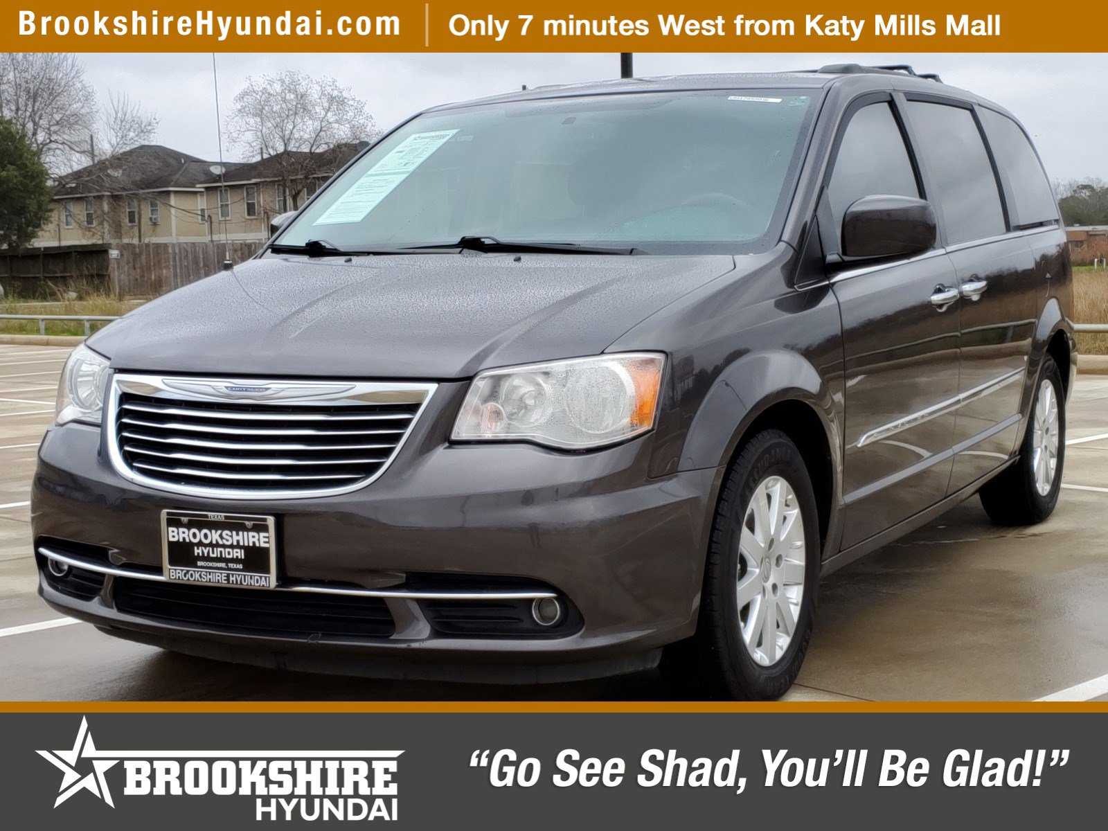 2016 Chrysler Town & Country Touring image