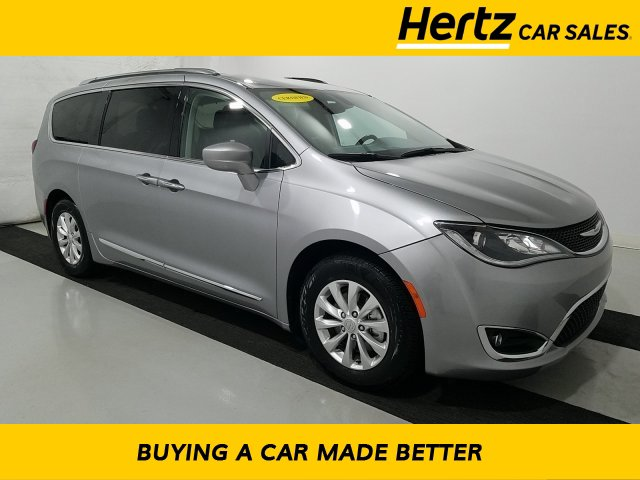 2019 Chrysler Pacifica Touring-L image