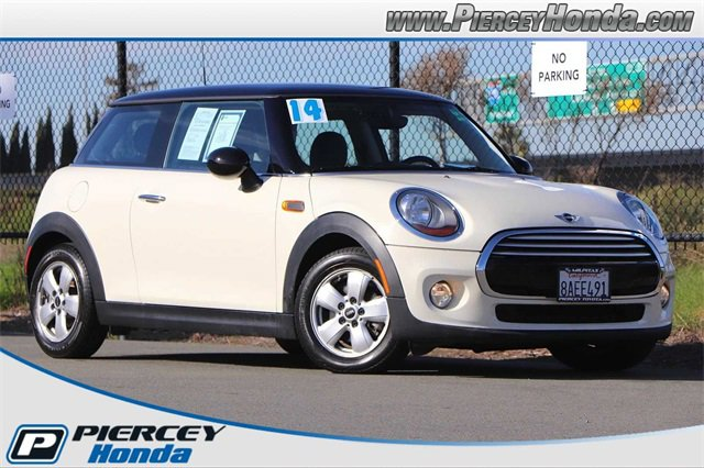 2014 MINI Cooper 2-Door Hardtop image