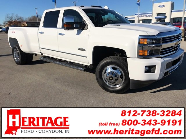 2015 Chevrolet Silverado 3500 4x4 Crew Cab High Country image