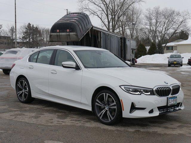 2019 BMW 330i xDrive Sedan w/ Premium Package image