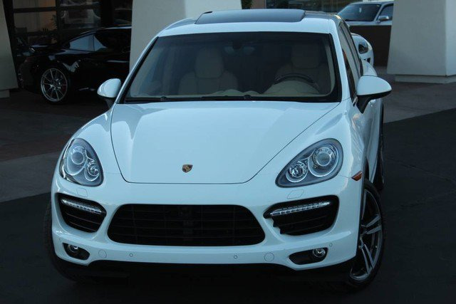 2013 Porsche Cayenne Turbo image