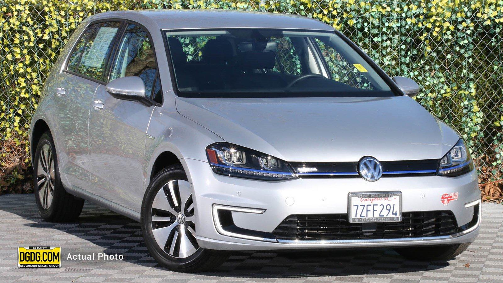 2016 Volkswagen e-Golf SEL Premium image