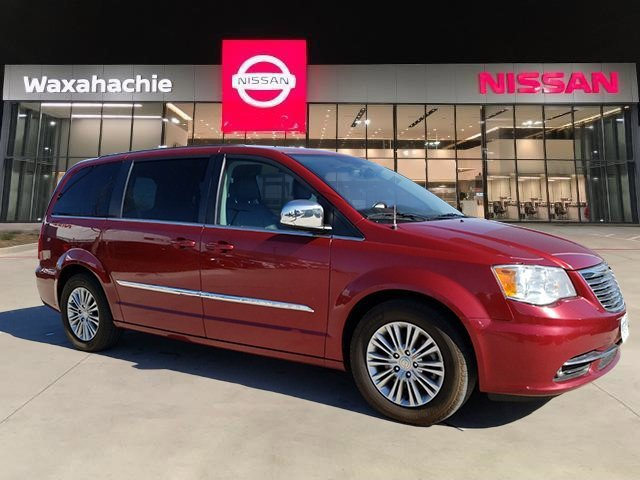 2015 Chrysler Town & Country Touring-L image