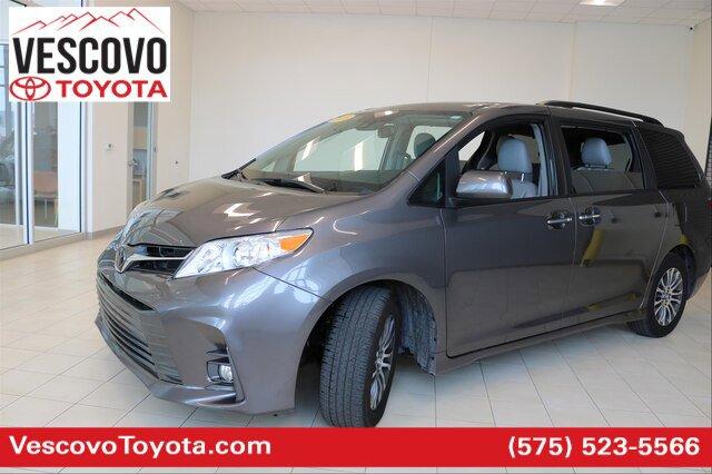 2020 Toyota Sienna XLE 8-Passenger image
