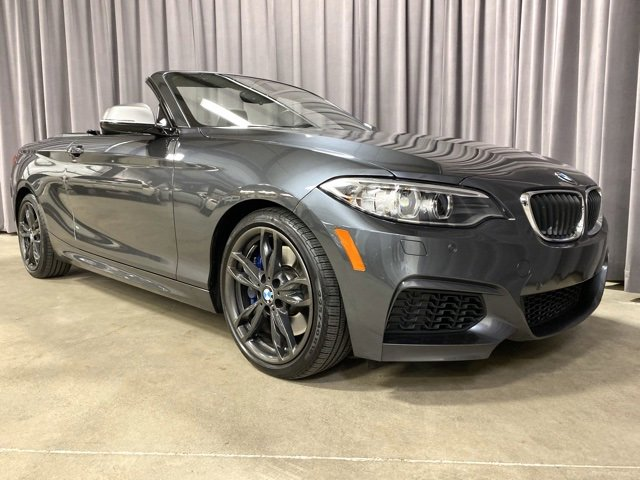 2016 BMW M235i xDrive Convertible image