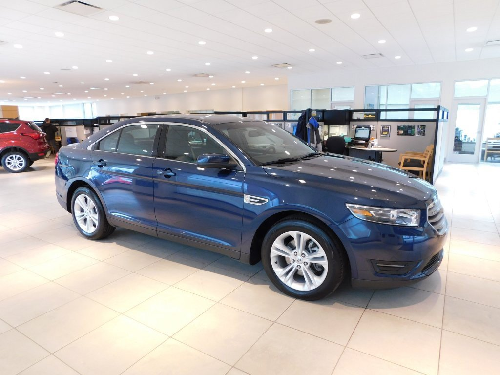 2016 Ford Taurus SEL image