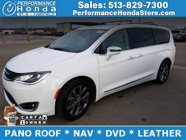 2018 Chrysler Pacifica Limited w/ Tire & Wheel Group image