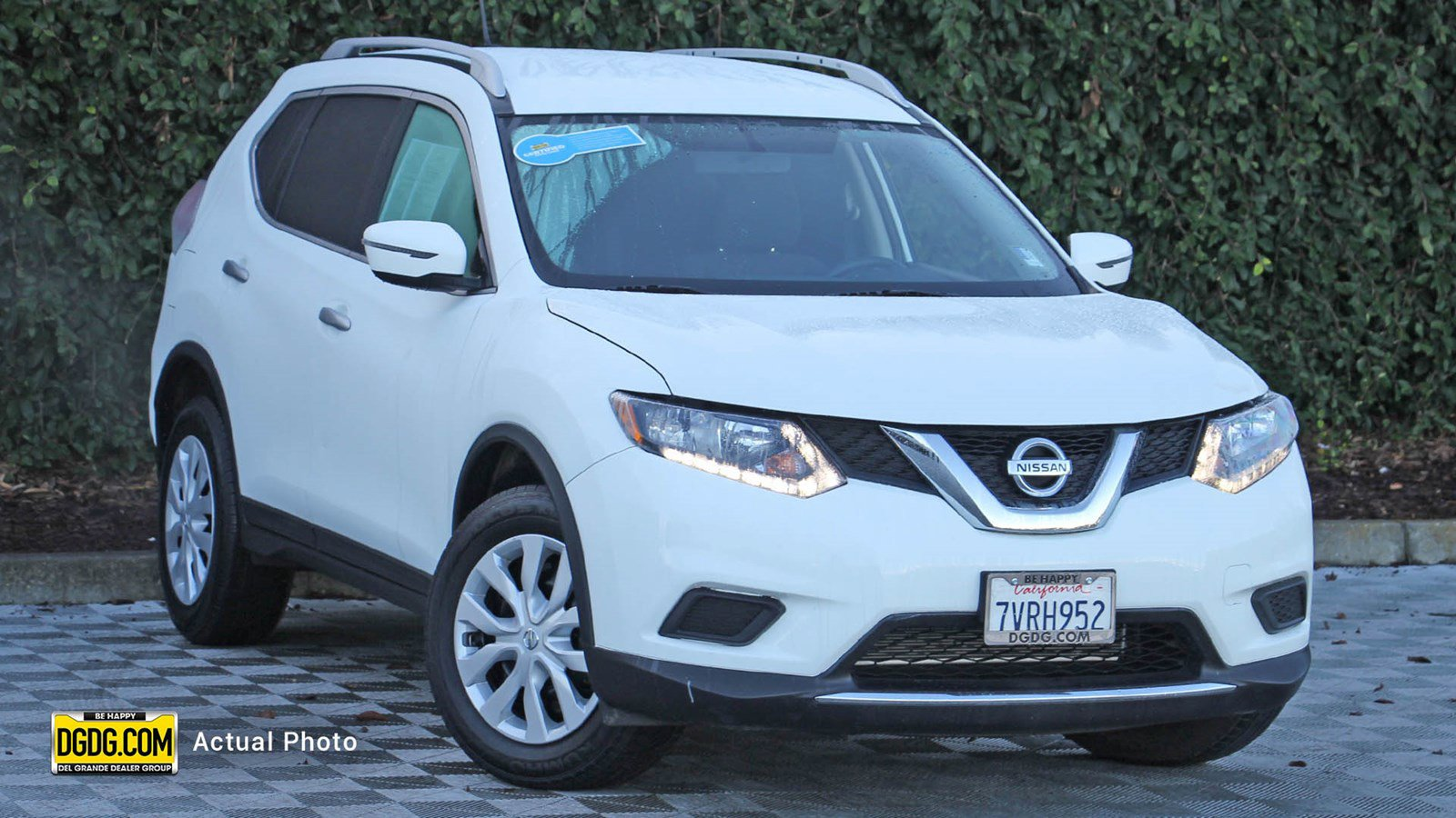 2016 Nissan Rogue S image