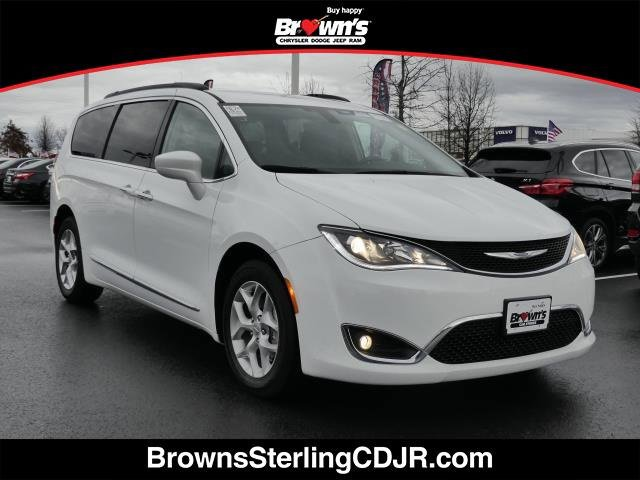 2017 Chrysler Pacifica Touring-L image
