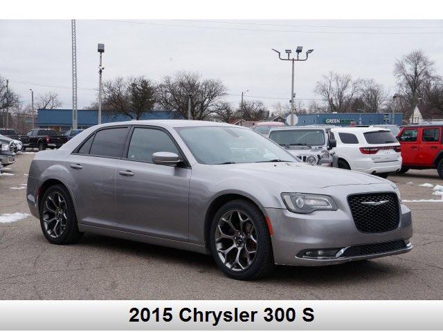 2015 Chrysler 300 S image