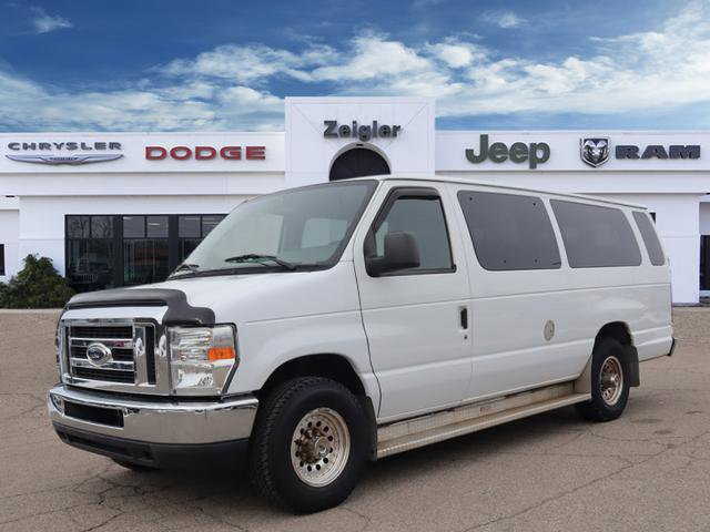 2008 Ford E-350 and Econoline 350 XLT Super Duty image