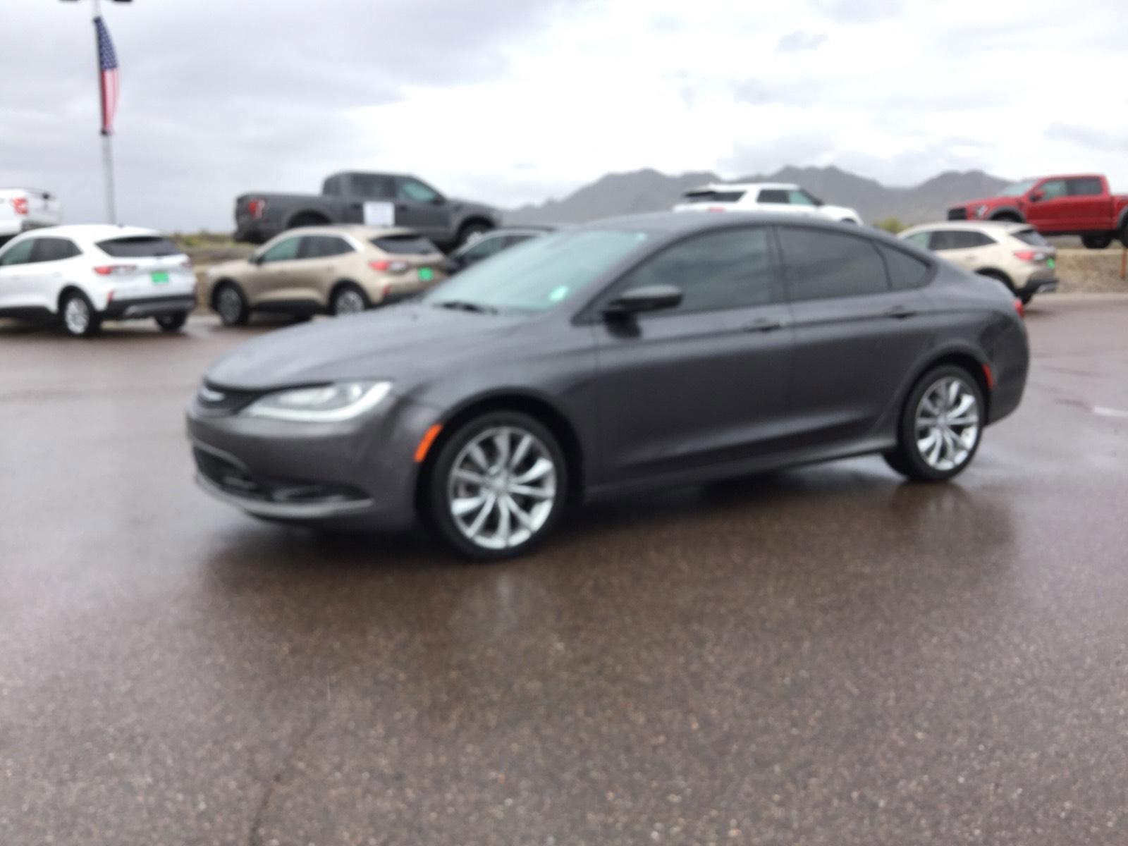 2015 Chrysler 200 S image