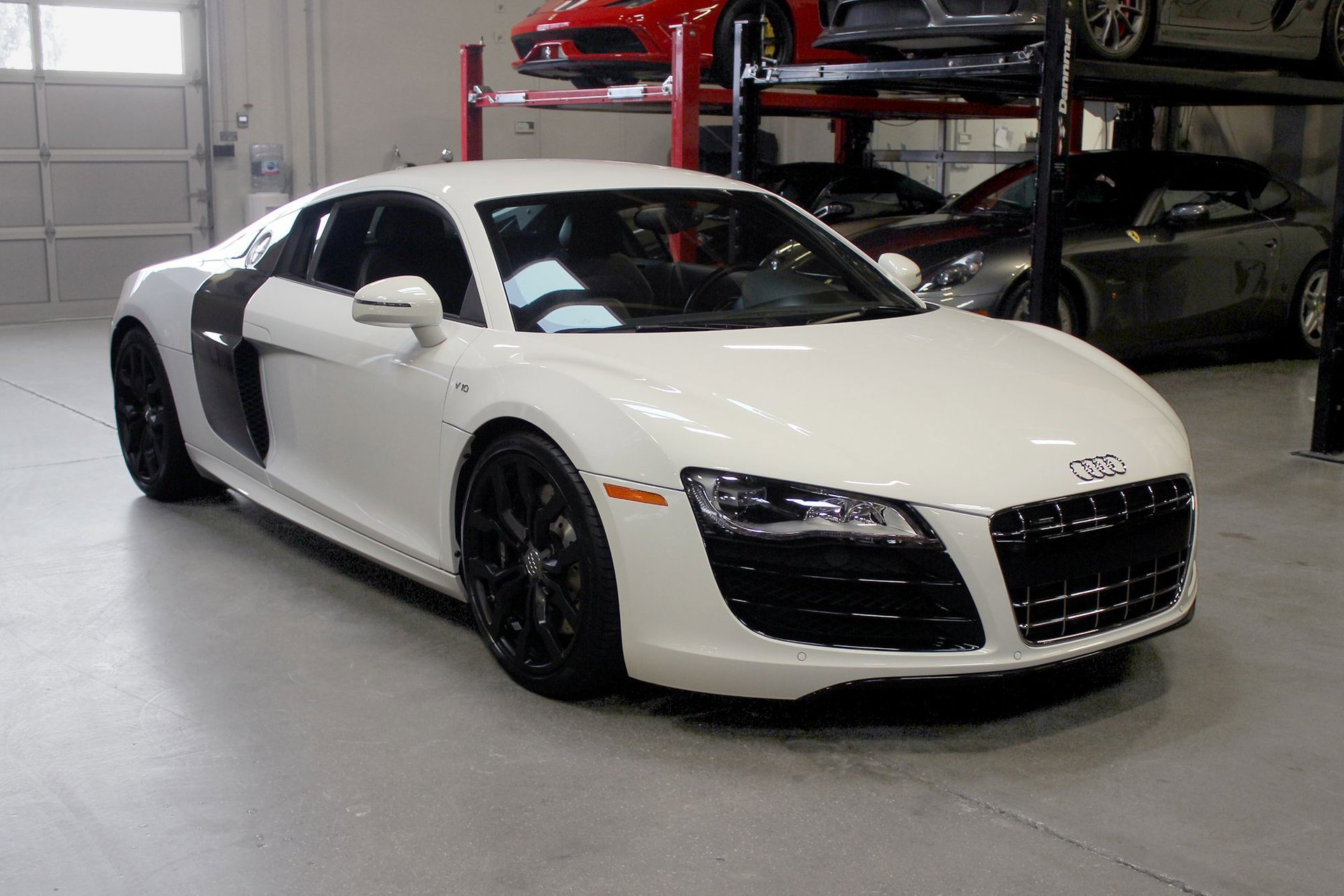 2011 Audi R8 5.2 Coupe image